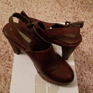 Banana Republic Heels Shoes